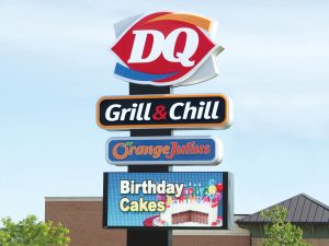 Pole Signs 0092 Dairy Queen Bendsen Sign  Graphics W 19mm 80x176 Bloomington IL 101718 1 300x225